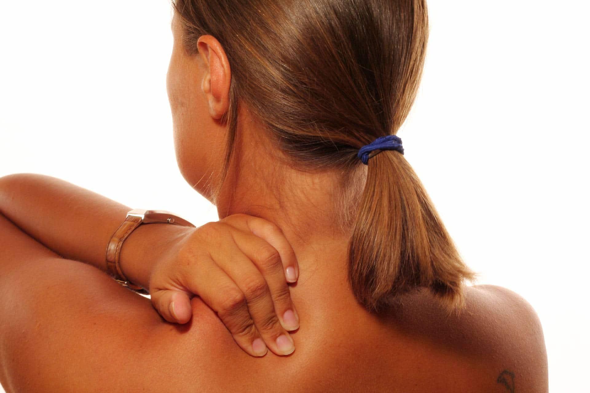 un músculo trabaja en exceso contractura